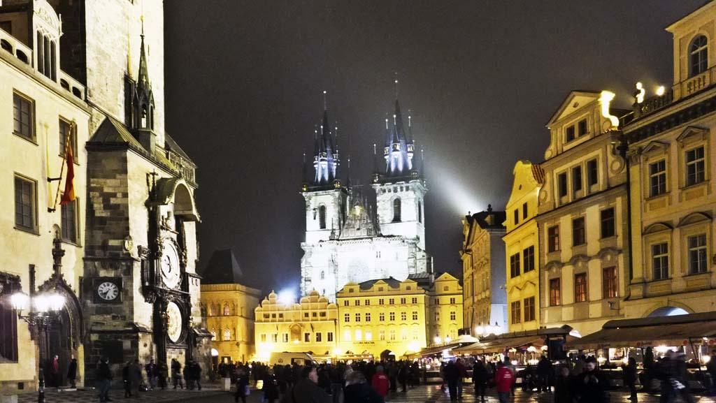 Old Town Square n Prague