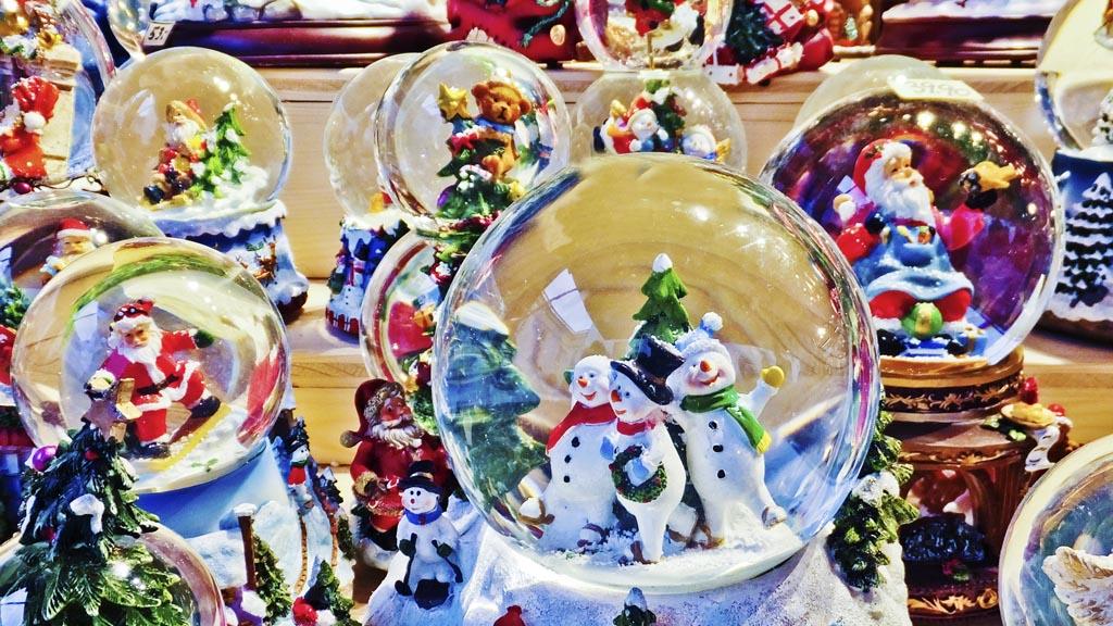 Snow globes in Salzburg